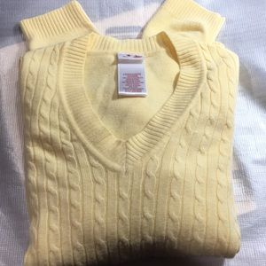 Sweaters - Woman's light weight yellow v neck sweater